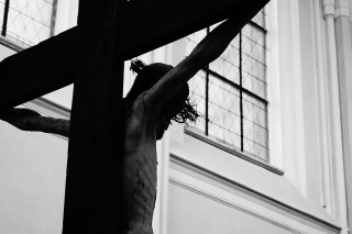 crucified-cross-578217_960_720-pixabay